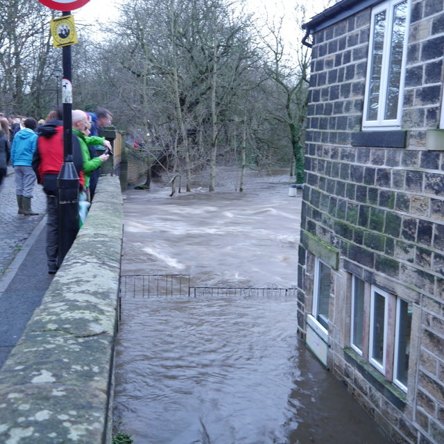 Extreme flood on the River Aire, from Newlay Bridge (2)