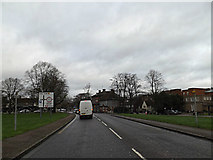 TL1314 : A1081 St.Albans Road, Harpenden by Adrian Cable