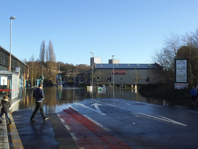 Flooding at Kirkstall Bridge