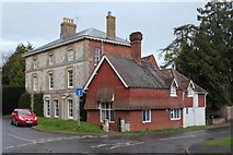 SU7037 : Large house in Chawton by Billy