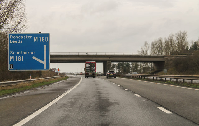 M180 approaching Junction 3