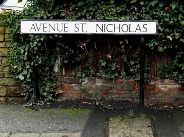 Avenue St.Nicholas sign