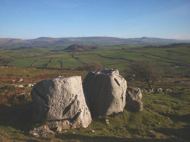 Large boulders, Newbiggin Crags