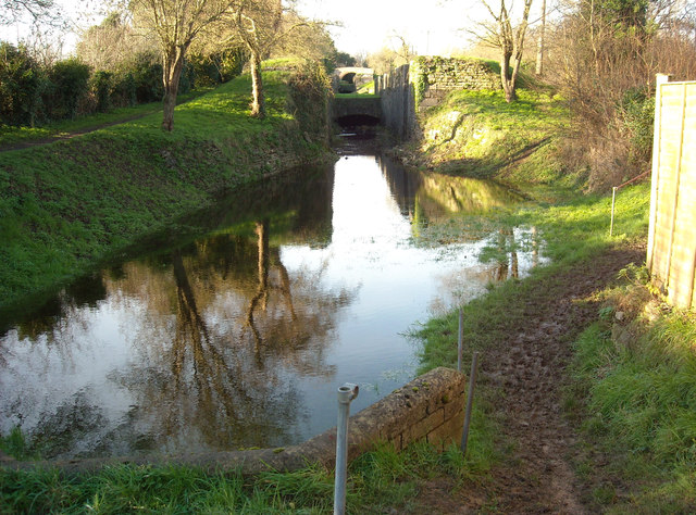 Siddington locks and bridge, Thames and Severn Canal