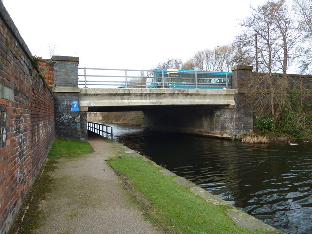 Bridge 2E, Leeds and Liverpool Canal