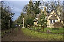 SP9018 : Cheddington Lodge by Shaun Ferguson