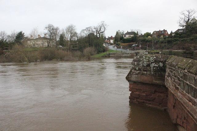 The River Dee in flood at Farndon Bridge
