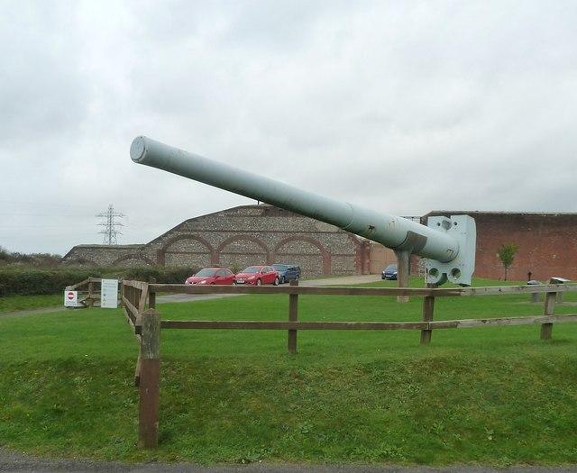 Fort Nelson - Battleship gun