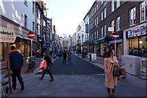 O1533 : Anne Street South by Ian S