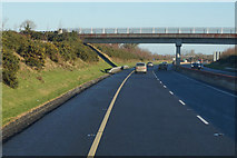 S6661 : M9 Northbound towards junction 6 by Ian S