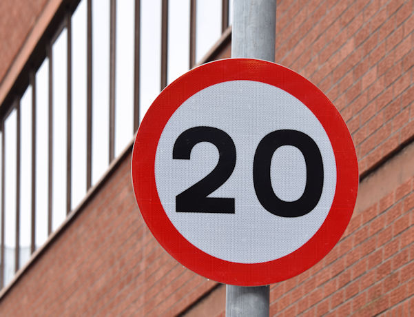 20 mph speed limit sign, Gloucester Street, Belfast (January 2016)