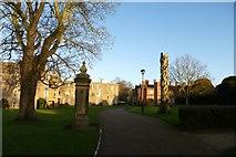 SE6250 : Gatepost on Derwent Lawns by DS Pugh