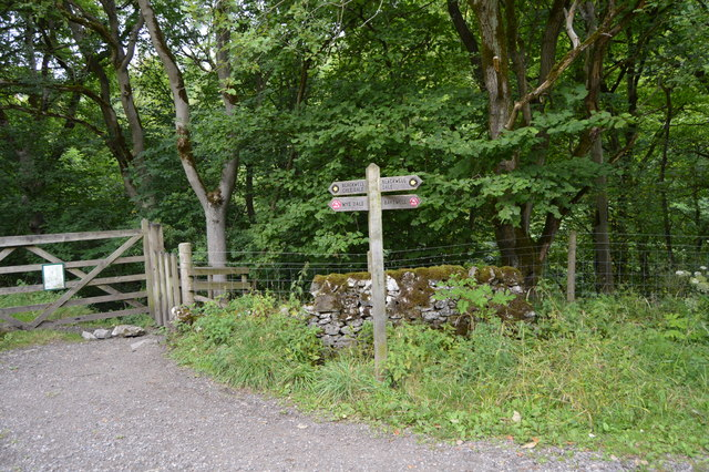 Footpath sign on the Monsal Trail