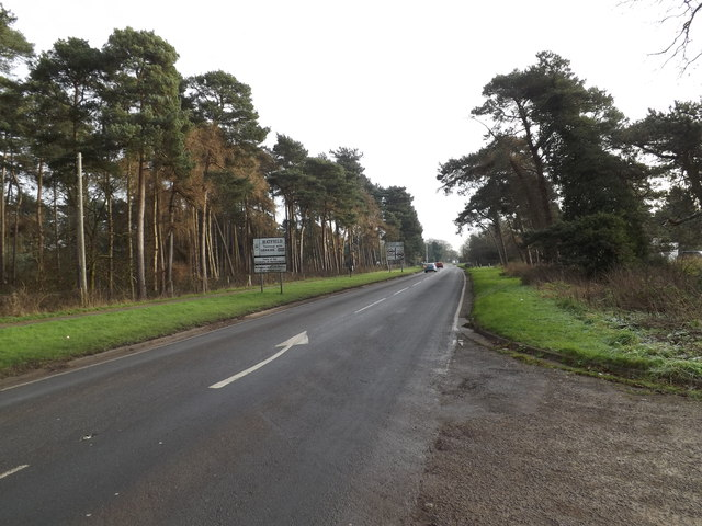 Entering Hatfield on the B653 Marford Road