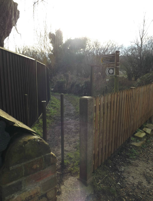 Footpath to Brocket Hall & Lemsford Village