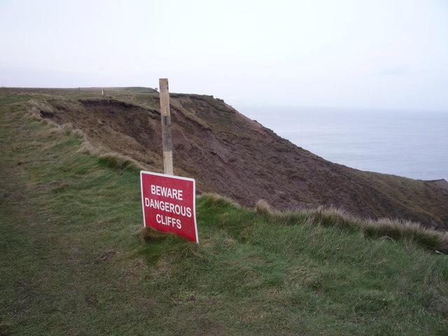 Dangerous Cliffs, Carr Naze