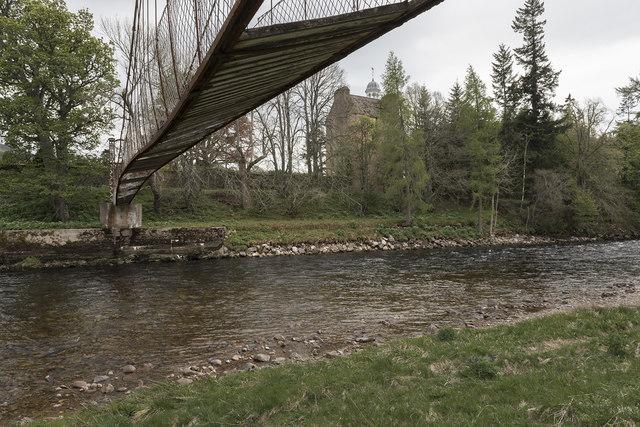 Abergeldie suspension bridge
