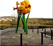 ST1599 : Giant daffodils sculpture, Bargoed by Jaggery