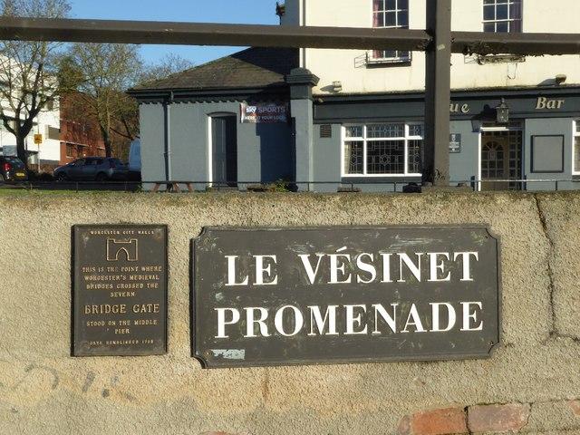 Photo of Bridge Gate, Worcester bronze plaque