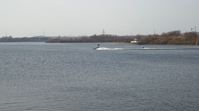 Waterskiing on Chasewater in context