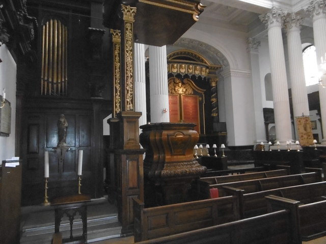 Interior of St Mary Woolnoth