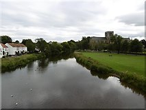 NT5173 : River Tyne, Haddington by Richard Webb