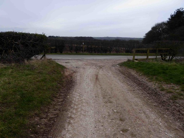 Bridleway end onto Manor Hill