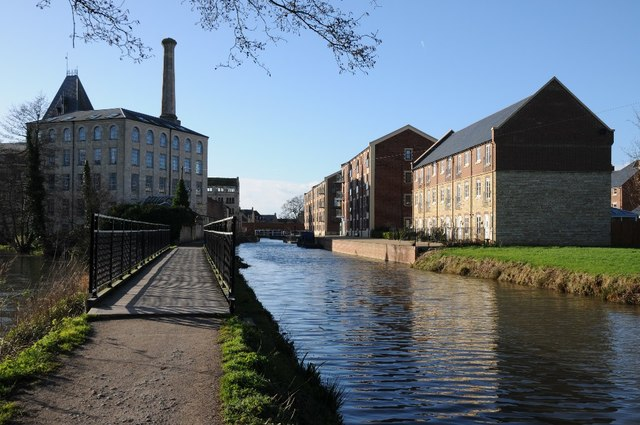 Stroudwater Canal and Ebley Mill