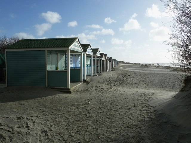 West Wittering beach - Beach Huts and sand