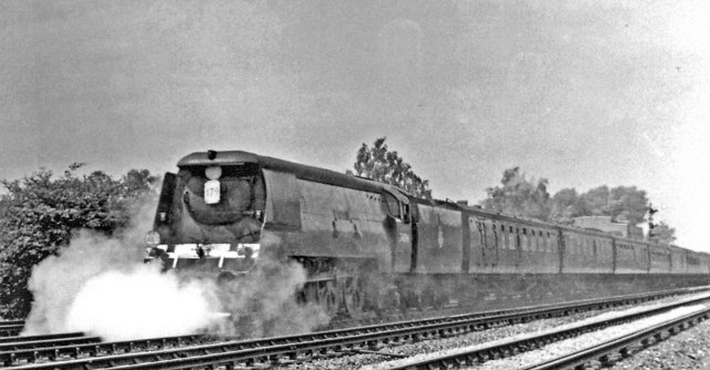 Charing Cross - Deal express in Chislehurst - Bickley complex, 1950