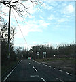 TQ7994 : Entering Rawtreth on Beeches Road by Geographer