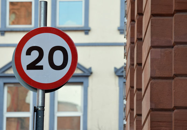 20 mph speed limit sign, Library Street, Belfast (February 2016)