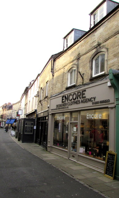Encore Designer Clothes Agency in Cirencester