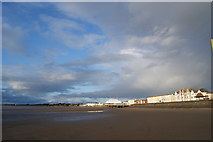 ST3049 : Beach and sea front at Burnham on Sea by Pam Goodey