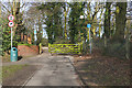 SU8670 : The Quelm path, Bracknell by Alan Hunt