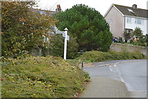 SX4952 : Lawrence Rd, St Johns Rd junction by N Chadwick
