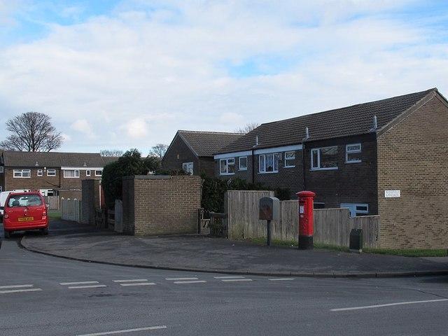 Postbox, Rossefield Grove, Bramley