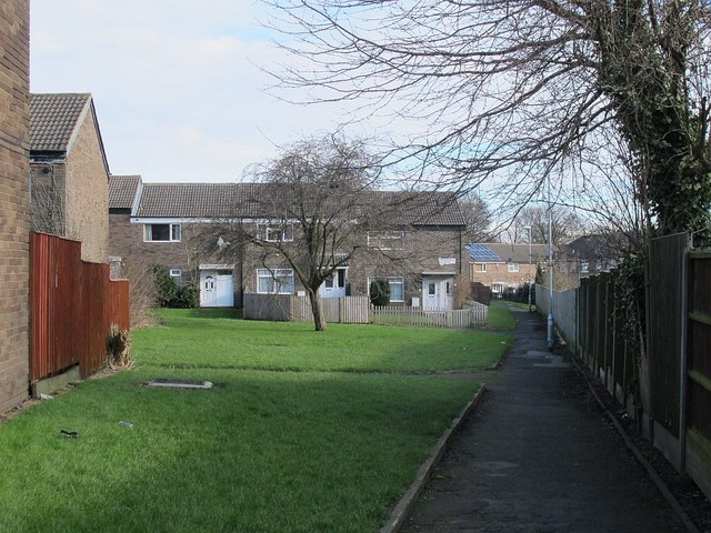 Footpath along the backs of houses on  Rossefield Grove