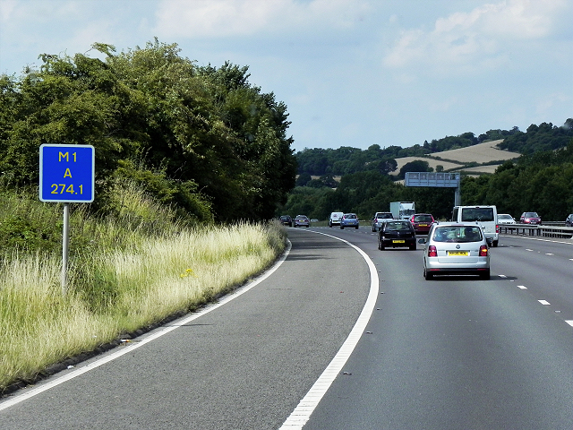 Northbound M1 Passing Driver Location A274.1 near Worsbrough