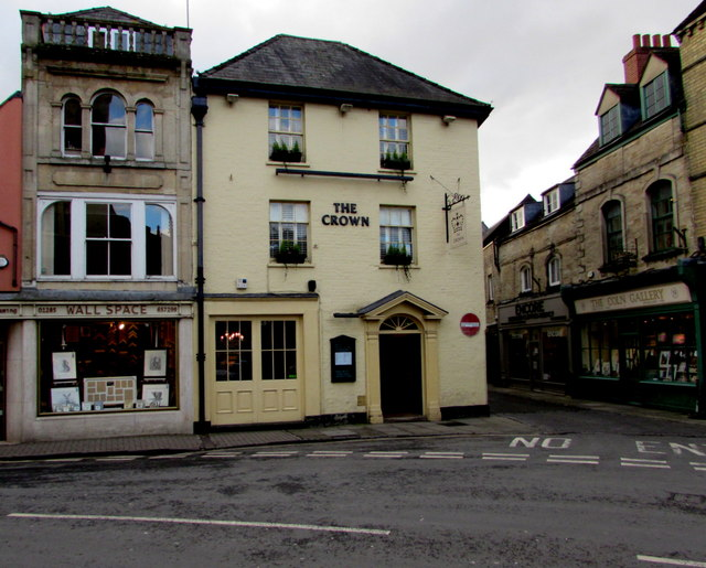 East side of the Crown, Cirencester