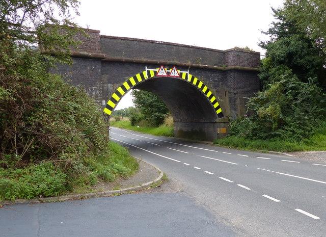 Railway bridge across the B4098 Coventry Road