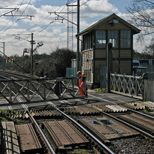 Littleport: opening the crossing gates