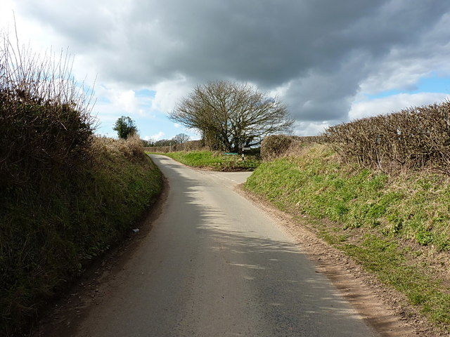 Lane junction near Mitton
