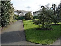 TQ1876 : No access to the Temperate House, Kew Gardens by Christine Johnstone
