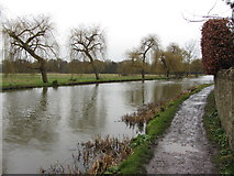 SU9948 : Bend on the River Wey south of Guildford by Gareth James
