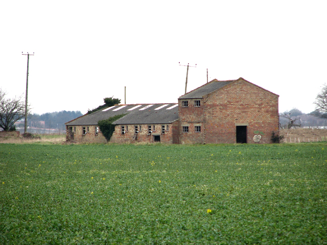 Disused farm building south of Watton Road