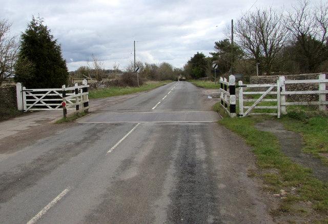 Cattle grid across Woefuldane Bottom, Minchinhampton