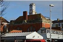 TQ5839 : Clock, Tunbridge Wells Station by N Chadwick
