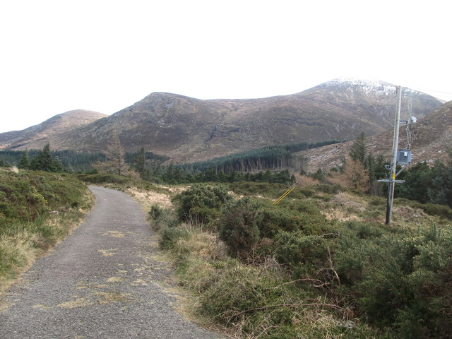 The Drinnahilly Transmitter service road at the summit of Drinnahilly