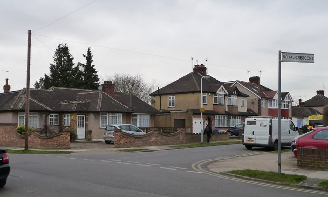 Houses on Royal Crescent, South Ruislip